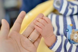 赤ちゃんと母親2