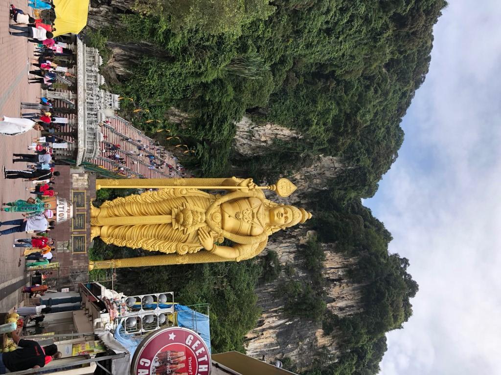 バドゥ洞窟・ムルガン神像