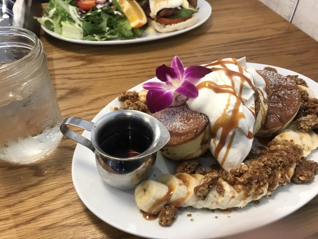 ハワイの朝食はパンケーキ