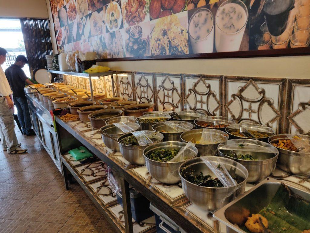 ローカルに人気のインド系レストラン